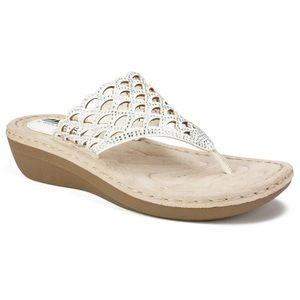 Cliffs(White Mountain) Glitter Cameo Thong Sandals